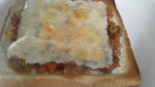 カレー チーズ トースト 朝食